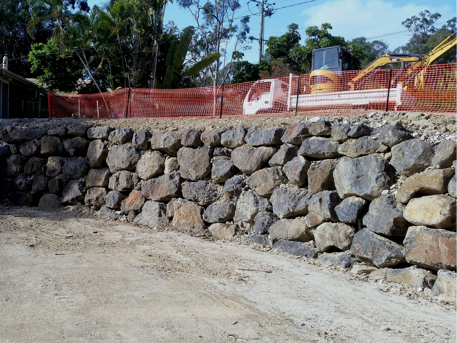 commercial rock wall building gold coast